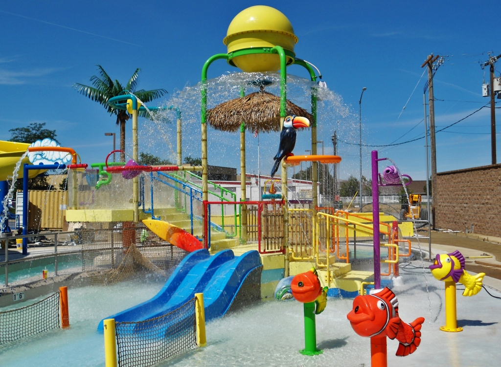 RIGHT AQUATIC PLAY STRUCTURE FOR YOUR PARK