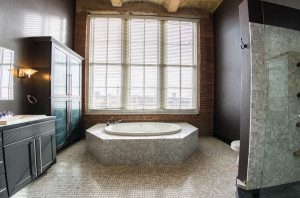 609_stuart_hall_bathroom